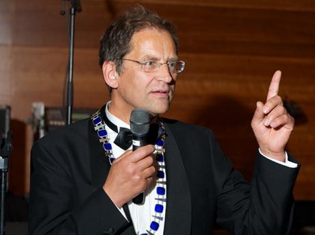 Kjell Skog-m-kjede-n