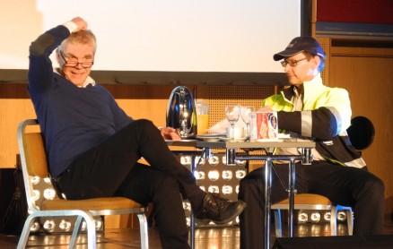 Arve Solheim og Bjørn Vidar Eide avdramatiserte uavhengig kontroll gjennom rollespill i seks akter.