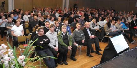 Folksomt i salen på Mesterhuskonferansen.