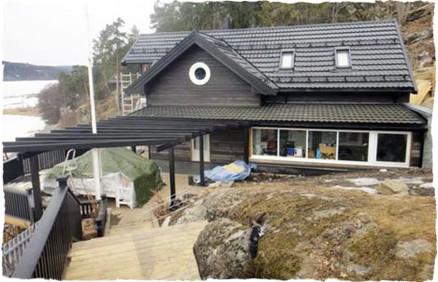 Juryen mener at huseier har bevart «feriefølelsen» når den gamle hytta ble oppgradert til helårsbolig. Det ga uttelling. (Foto: Bergene Holm).