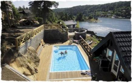 Etter fjerning av masser ble det mulighet for et svømmebasseng med fantastisk utsikt. (Foto: Bergene Holm).