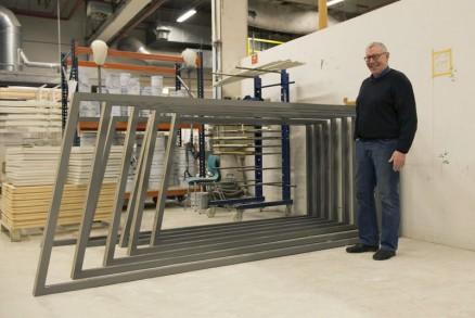 Administrerende direktør Odd-Erik Larsen er stolt over leveransen.(Foto: Trenor Vinduer).