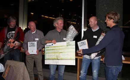 Murmester Terje Berner og kollegaene mottar prisen ifjor. (Foto: Bygg og bevar)