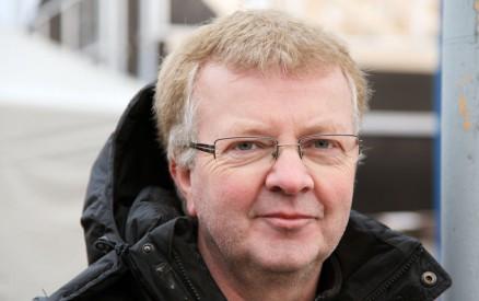 Johnny Rian er daglig leder for opplæringskontoret for byggfagene i Namdalen og har sammen med Husbanken vært pådriver for oppstarten av prosjektet. Nå jobber han for at skolen skal komme i gang med en ny bolig i løpet av 2015.