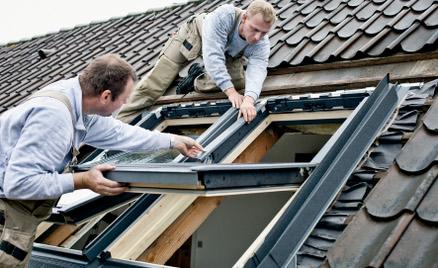 Pris på montering av takvindu