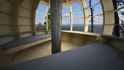 Den runde formen gir god plass til ulike innredningsvalg. (Foto: Playwood)