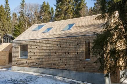 Klikk for stort bilde. Huset i Skogen ligger på Lian ved Trondheim.
