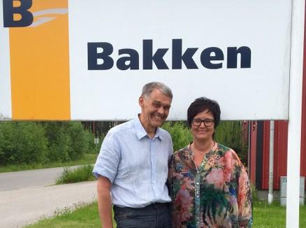 Administrerende direktør, Svein Tollersrud og administrasjonsleder Marit Ottem. Svein er stolt av sine ansatte, og mener de er en viktig faktor for å opprettholde bedriftens gode omdømme. (Foto: NHO/Linn Alicia Slora Kristiansen)