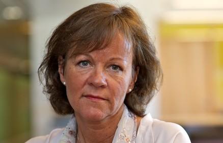 - Når saneringen skjer på rett måte av kyndige fagfolk med tillatelse, er det ikke farlig å fjerne asbest, sier direktør Ingrid Finboe Svendsen. (Foto: Dag Solberg)