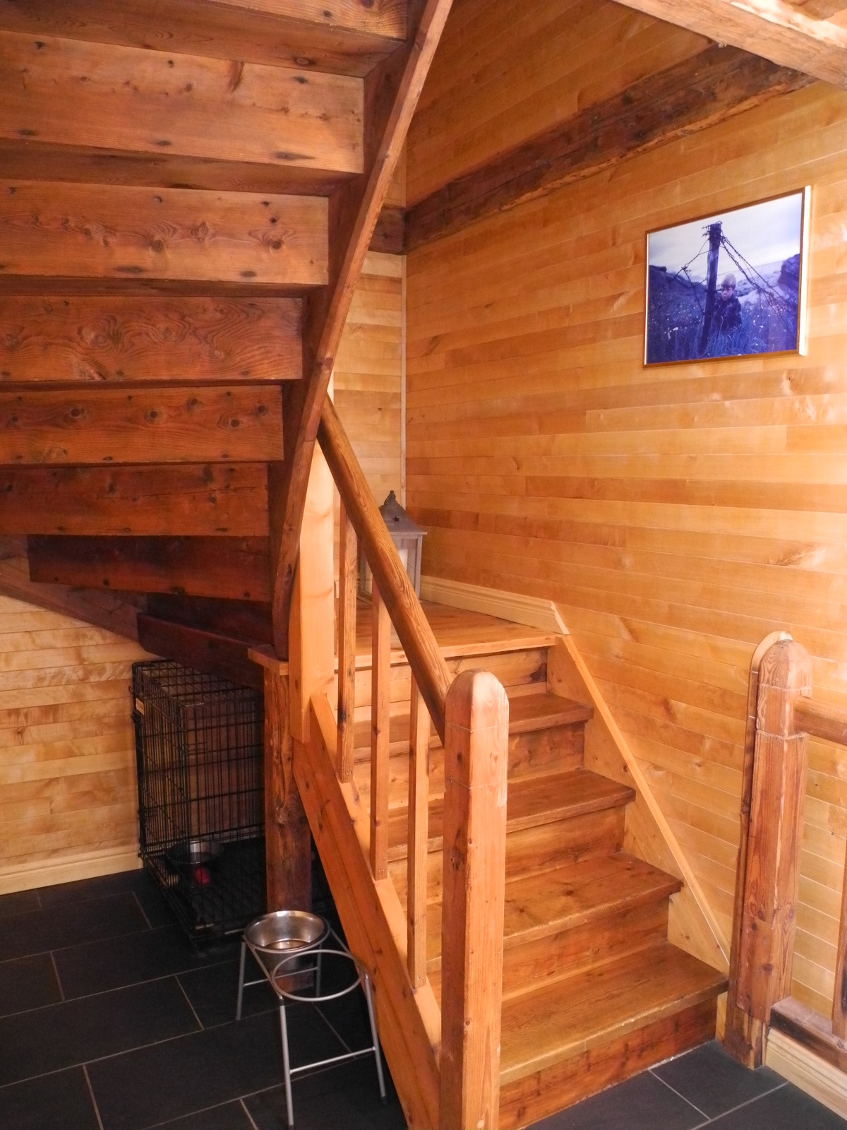 Trappeåpningen måtte tilpasses for å få på plass trappa fra Ludeboden. (Foto: Per Bjørn Lotherington)