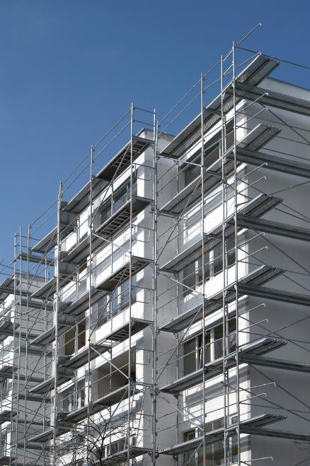 Opptil 160.000 svenske boliger og bygg kan være omfattet av byggefeilen. (Foto: Cision / Tegelinformation.se)