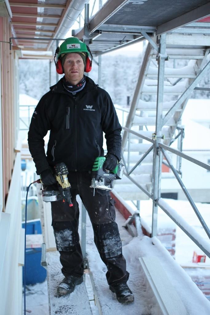 Tømrer Sjur Paulsen fra Block Watne har vært sentral i testing av Hitachi verktøy og er godt fornøyd. (Foto: Block Wathne)