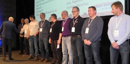 (klikk og se større) 12 nye medlemmer kunne ønskes velkommen i Mesterhus.