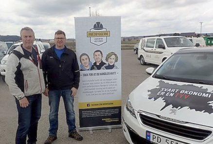 Leder i Byggmesterforbundet Rolf Eilerås og byggmester Jon Håvard Martinsen. (Foto: Privat)