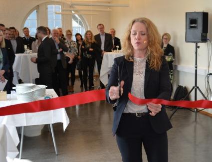- Samlet front mot arbeidslivskriminalitet. Et viktig mål for regjeringen er å sikre et ryddig arbeidsliv påpekte Anniken Hauglie under åpningen av det nye samlokaliserte kontoret for kontrolletatene i Trondheim. (Foto: Arbeidstilsynet)