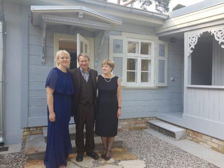 Lykkelig åpning! Fra venstre Museumsdirektør Zanda Rozenberga, Instituttleder Eivind Falk og Museumsdirektør Rita Meinerte.