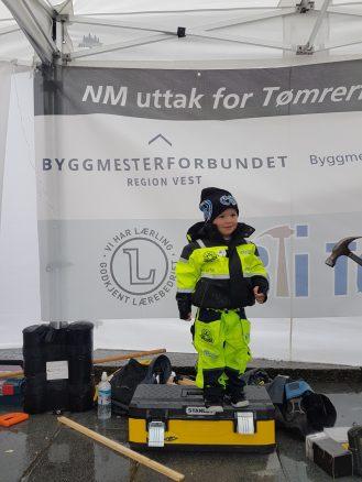 En mindre kandidat som må vente litt lenger før han kan delta i YrkesNM. (Foto: Knut Bjørkheim /Byggmestrenes Servicekontor AS)