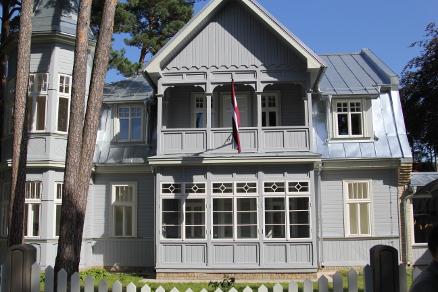 Hovedbygningen i Jurmala etter restaurering. (Alle foto: Norsk Håndverksinstitutt)