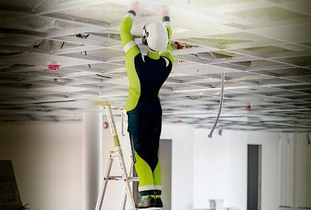 Personell som gjør ulike jobber på en byggeplass, er ofte ikke klar over de elektriske farene. (Foto: Trainor AS, 3D)