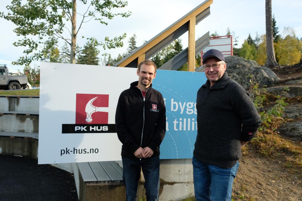 Jan Pedersen fra PK Hus med faglærer Ulf Petter Noreng.