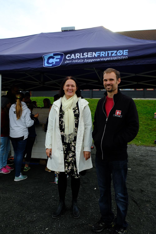 Rektor Didriksen og Jan Pedersen gledet seg over elevenes gode resultater.