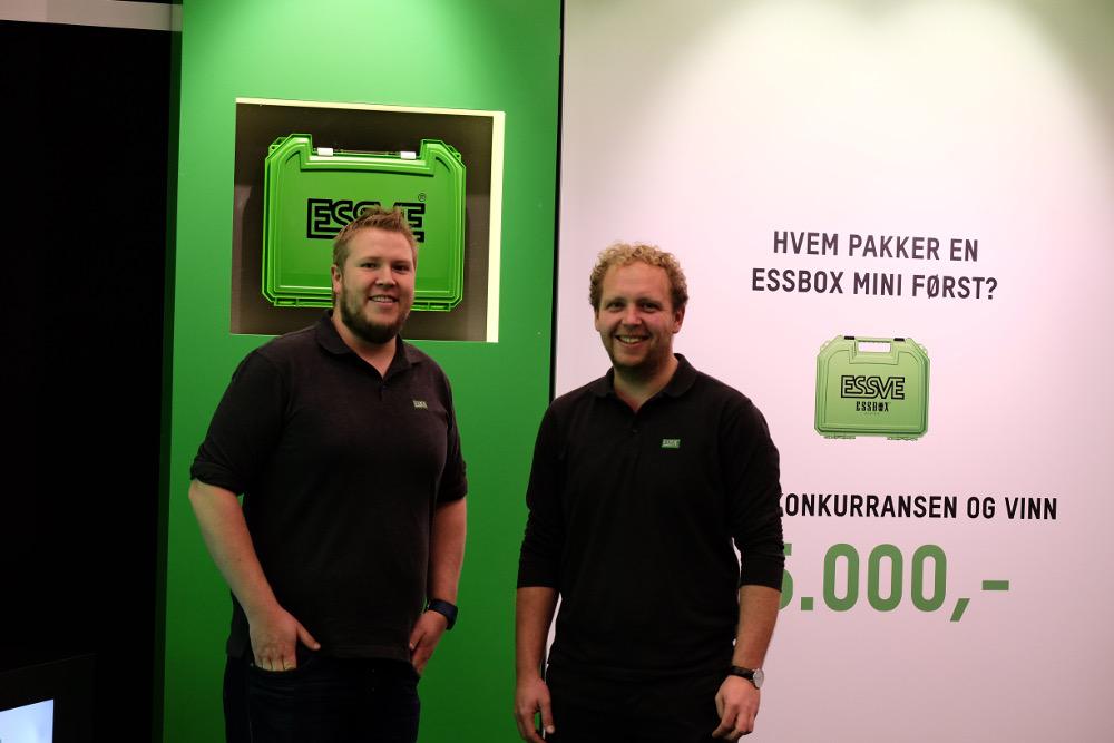 Morten Dale er sjef for kundeservice i Essve og holdt stand med Space manager Jørgen Eiler.