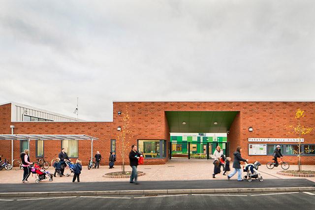 Arkitekteene for barneskolen Takely i England deltar. (Foto: Sarah Wigglesworth Architects)